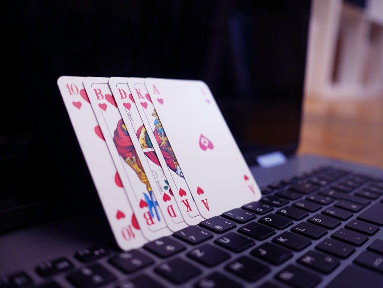 The benefits of playing online poker