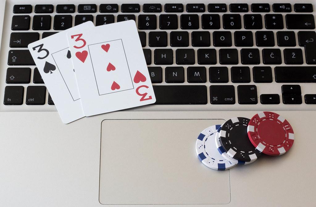 Strategies for Winning on the Internet: Online Poker